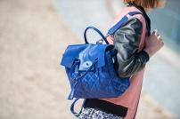 2-paris-street-style-luxury-handbags-%e5%a5%a2%e4%be%88%e5%93%81%e5%8c%85%e5%8c%85-%e5%b7%b4%e9%bb%8e%e8%a1%97%e6%8b%8d-x468
