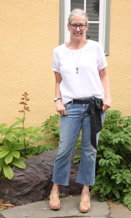 ndwc_linen-top_cropped-jeans.jpg