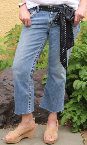 ndwc_linen top_cropped jeans_shoes